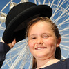 GYS 14_062_Child, bowler hat & big wheel