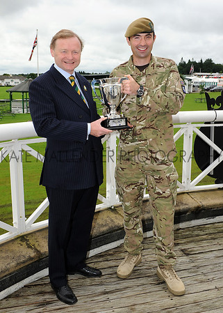 GYS 2012 Yorkshire Agricultural Society chairman Simon Theakston & Capt Alex Nancolas  with the new Yorkshire Regiment's Best Soldier Trophy.