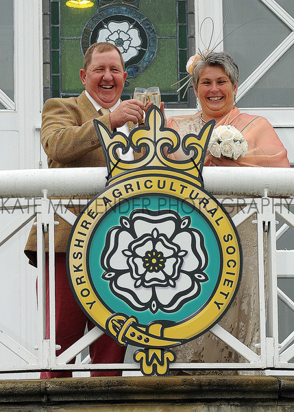 GYS 2012 Newly wed sheep exhibitors marry at GYork Show Anne & Kevin Robinson.