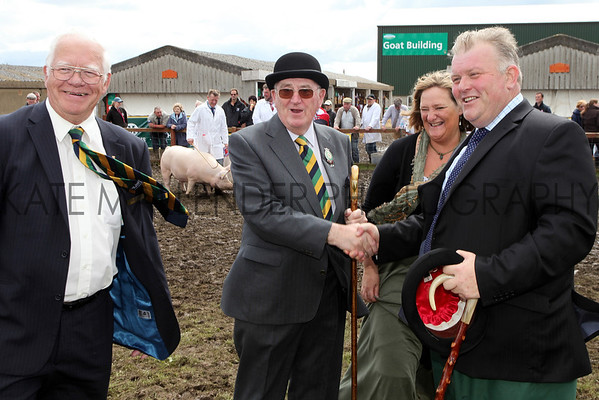 GYS 2012 Wednesday: Show president Ken Morrison meets the pig judges.<br /> pic: doug jackson