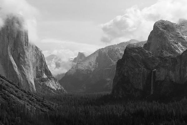 Tunnel View of Yosemite Valley - Yosemite National Park
