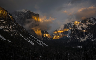 Classic Tunnel View of El Capitan and Bridalveil Fall at Sunset