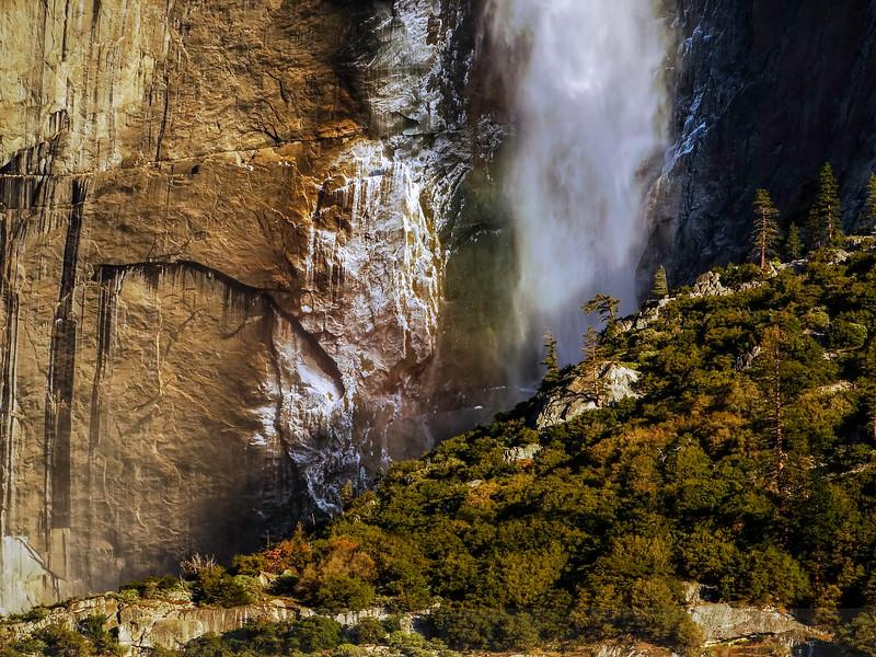Upper Yosemite Falls: Contrast