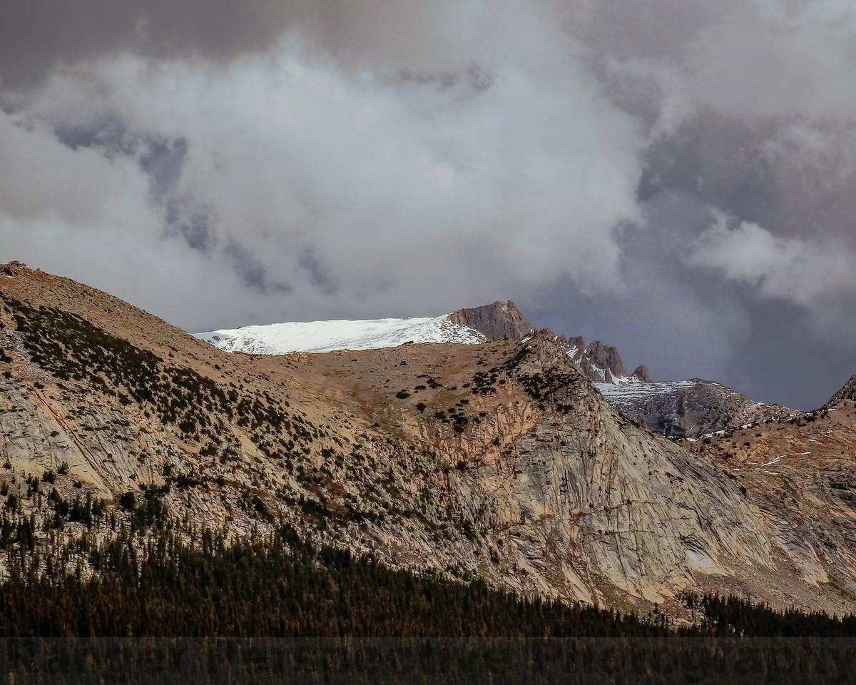 The shoulder of Rugged Peak and Sheep Peak