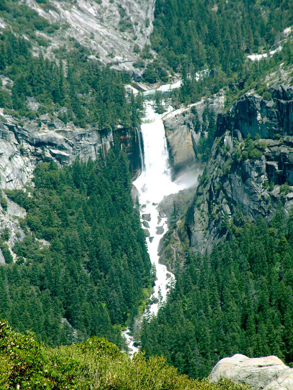 Vernal Falls Yosemite from Glacier point
