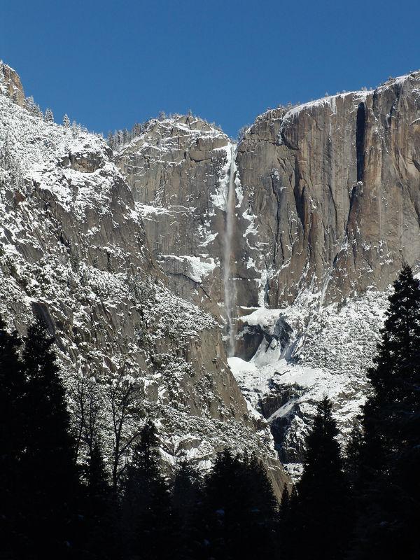 Yosemite winter   snow  Yosemite Falls