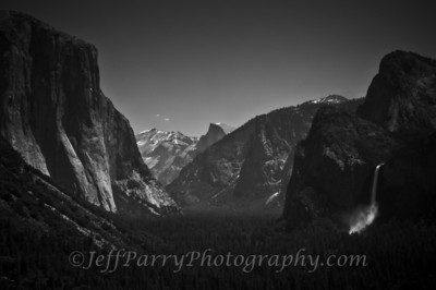 Tunnel View Yosemite black and white