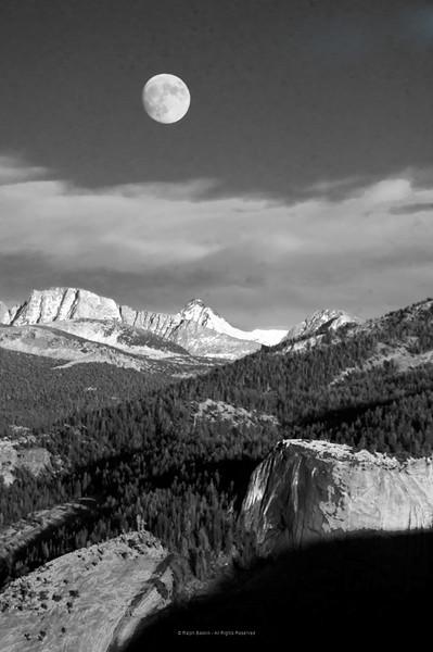 Moon Rise Glacier Point