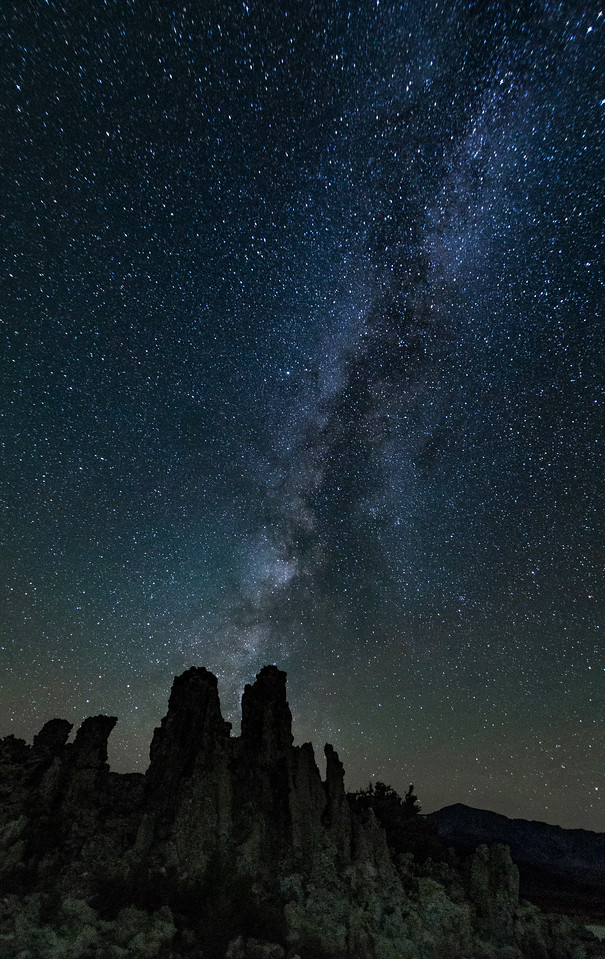 The Milky-way rising over the Tufas - Mono Lake, CA