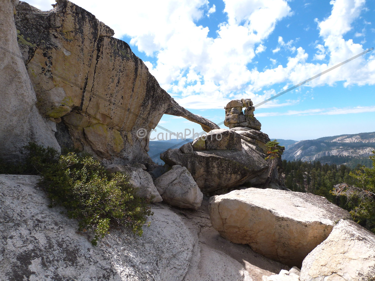Indian Ridge Natural Arch, North Dome Trail.