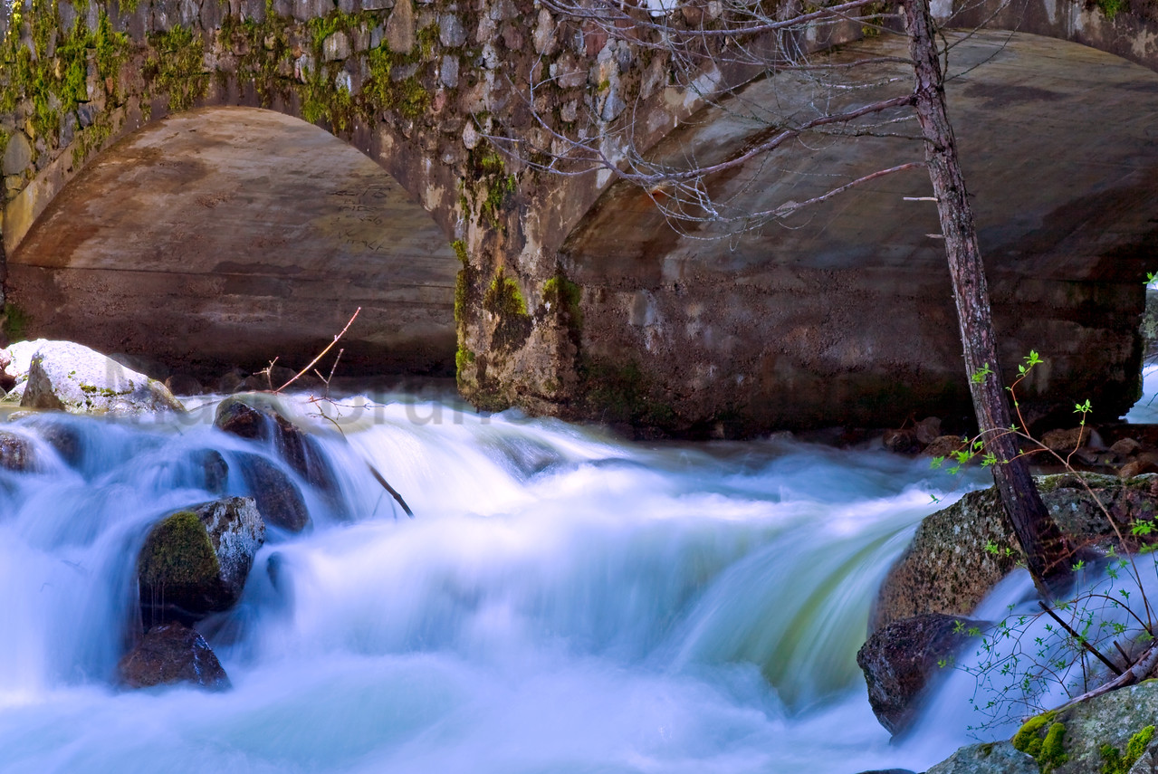 Yosemite Bridal Veil Falls Bridge