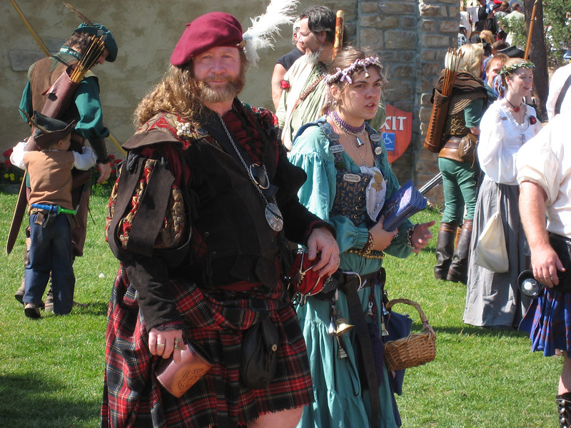 IMG_1154 A Scottish Highlander and his bonnie lass