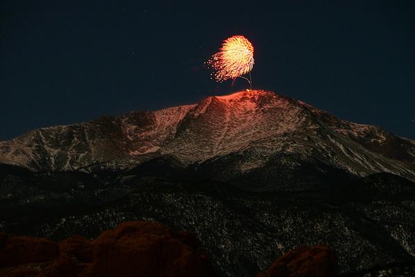 2009-12-31 Fireworks off Pikes Peak