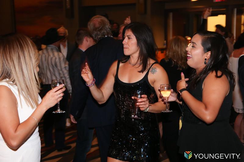 08-19-2017 Glow Party ZG0047