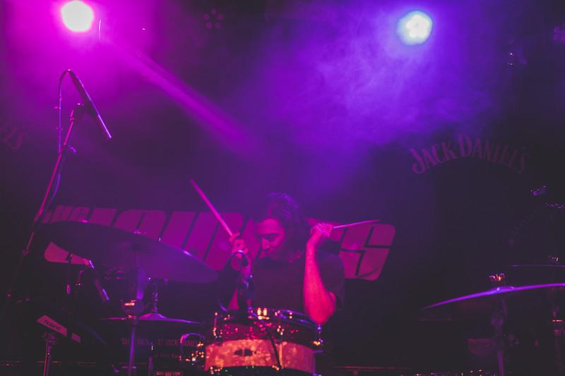 Band-of-Skulls-129