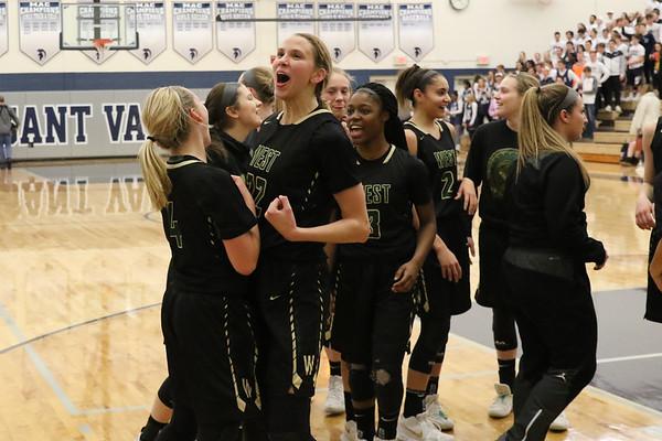 Iowa City West Girls Regional Final at PV