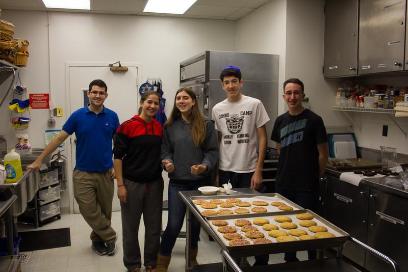 2015-11-15 USY Bake Sale-2720