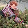 Leslie Shallcross picking reships in Anchorage.