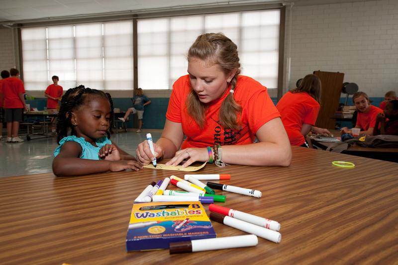 "Service Project - Book Fair at Kate Middleton Elementary.  copyright © 2009, Erik Mathre, <a href=""http://www.eventpixels.com"" target=_blank>EventPixels.com</a>, <a href=""mailto:erik@eventpixels.com"" target=_blank>erik@eventpixels.com</a>"