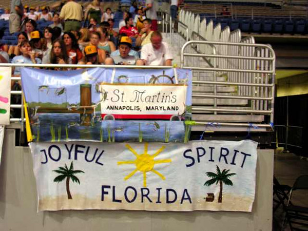 Pics from morning service... fla maryland banners