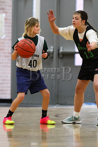 7th_GradeGirls_LourdesSL_Ambrose_12142013-11
