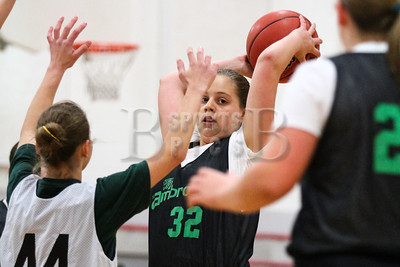 7th_GradeGirls_LourdesSL_Ambrose_12142013-13