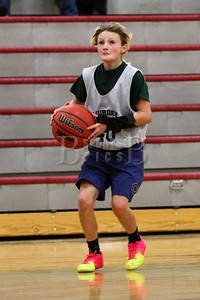7th_GradeGirls_LourdesSL_Ambrose_12142013-27