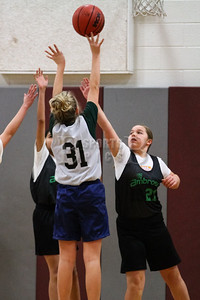 7th_GradeGirls_LourdesSL_Ambrose_12142013-6