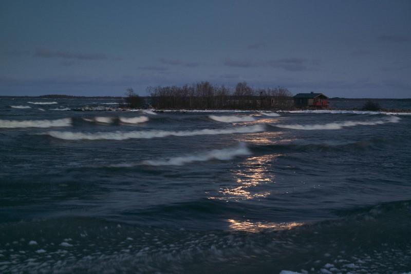 Lohtaja winter storm by night