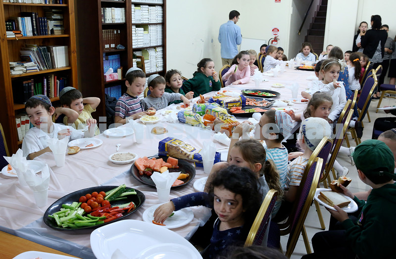 Yud Aleph Nissan Children's Rally at Tzemach Tzedek Synagogue. Pic Noel Kessel