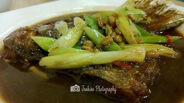 Very deceiving dish, fish is surprisingly nice. Gravy is savoury. -- Xu Jun Sheng (Long Ji) 许俊盛 (隆记)@121 Joo Chiat Road