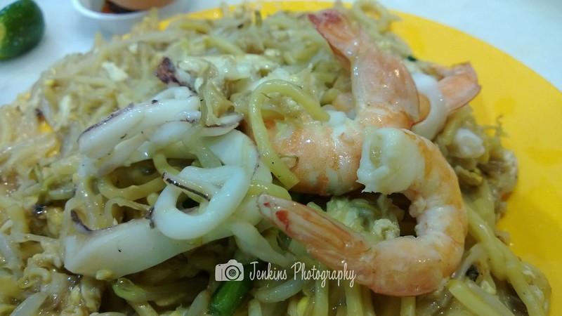 """Fried Hokkien Noodle -- Geylang Lor 29 @ 396 East Coast Road <a href=""""http://goo.gl/SWJDW"""">http://goo.gl/SWJDW</a>"""