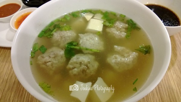 Fishmeat ball soup -- Xu Jun Sheng (Long Ji) 许俊盛 (隆记)@121 Joo Chiat Road