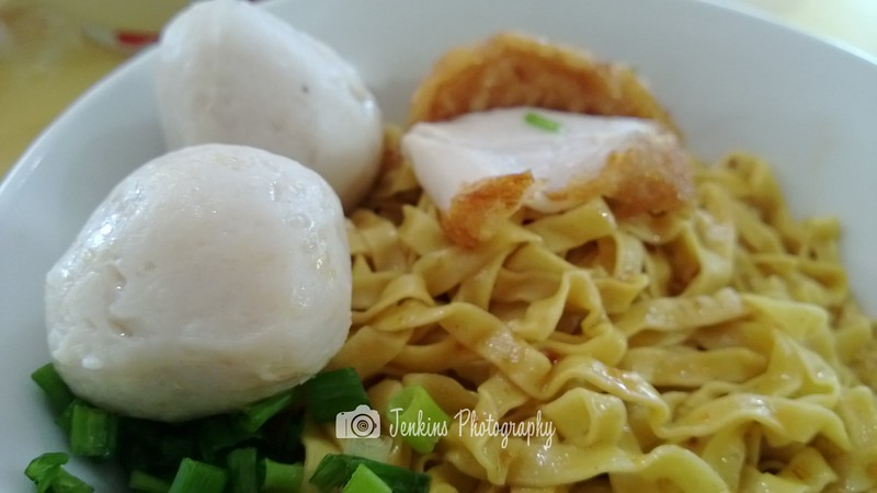 Fishball is big and bouncy -- 如记小厨 Ru Ji Kitchen@51 Old Airport Rd Food Centre