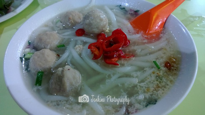 value for money for $2.50 a bowl -- Xing Ji Rou Cuo Mian (兴记肉脞面)@FengShan FC/85 Bedok North St 4