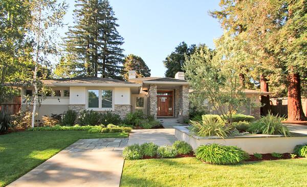 196 Merritt Rd, Los Altos