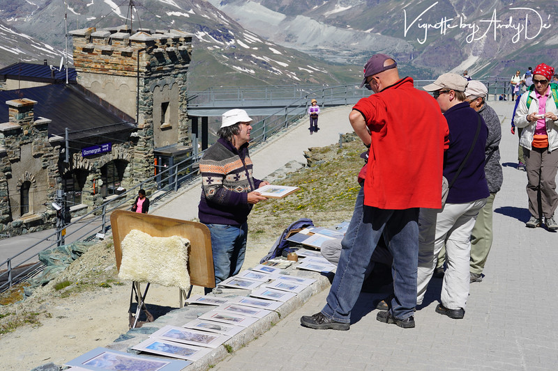 Local Swiss artist offering his hand painted vignettes to the tourists, and generating a lot of curiosity and excitement!