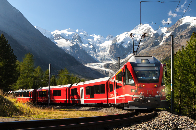 The GORNERGRAT BAHN (Train) was the world's first fully electrified cog railway. Today it is a modern, eco-friendly railway, equipped with a regenerative braking system that generates electricity on the descent and so saves energy. Europe's highest open-air cog railway brings passengers direct from Zermatt station (1,620 m) to the summit of the Gornergrat, 365 days a year. The ride takes 33 minutes and requires a vertical climb of 1,469 m. The line leads over dramatic bridges, through galleries and tunnels, across forests of larch and Swiss stone pine, and past rocky ravines and mountain lakes, and also offers a fascinating panoramic vista of the MATTERHORN (4478 metres) and summits of the Swiss, Italian and French Alps.