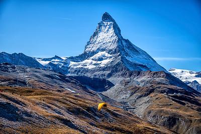 Paragliding to Zermatt