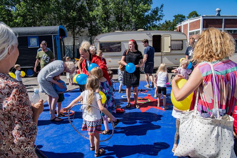 ...og så kan børnene - og forældrene - selv fortsætte i artistskolen...