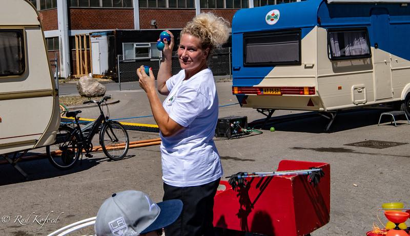 Line Vittrup klar i zirkusskolen med et semester i god boldbehandling