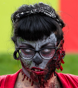 zombies-2015-151031-FFF-0383