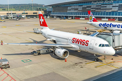Swiss Airbus A319-112 HB-IPY 10-9-18