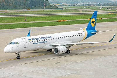 Ukraine International Airlines Embraer ERJ-190-100LR UR-EME 10-9-18