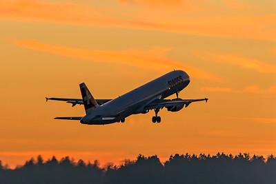 Swiss Airbus A321-212 HB-IOM 2-14-19 2