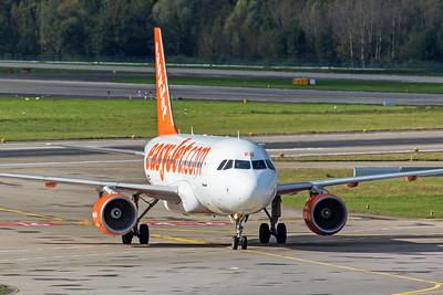 easyJet Europe Airbus A319-111 OE-IKQ 10-10-19