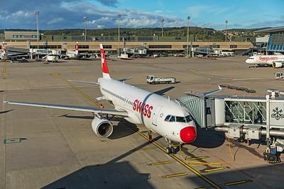 Swiss Airbus A320-214 HB-IJQ 10-10-19 3