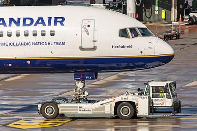 Icelandair Boeing 757-256 TF-FIA 10-10-19 3