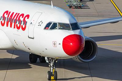 Swiss Airbus A320-214 HB-IJQ 10-10-19 2