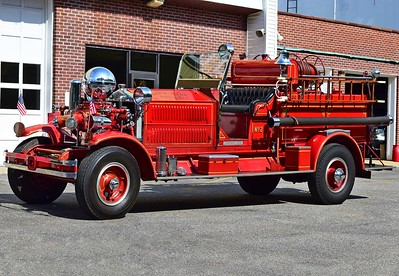 Middle Island Antique Engine